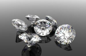 Cara Merawat Kalung Berlian yang Benar